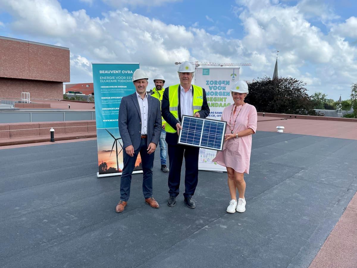 Plaatsing zonnepanelen op dak BMCC Brugge